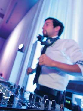 Service dj musique événement montréal