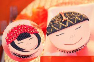 Custom cookies, chocolate and cupcackes