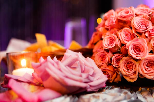 Floral centerpiece in blush and pink for head table