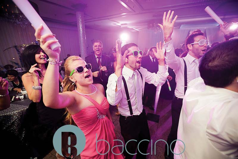 Invités qui s'amusent mariage au Buffet Marina