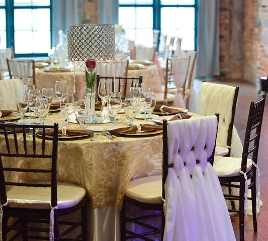 Cambridge-overlay-mahogany-chiavari-chair