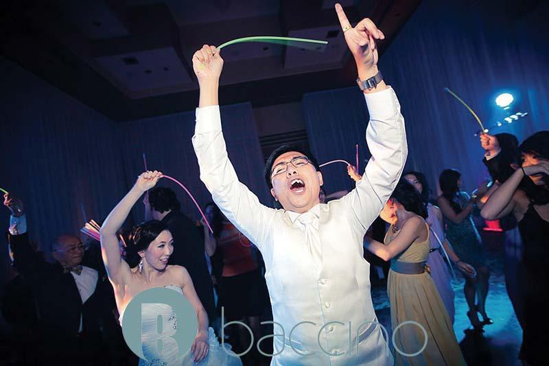 Laval-wedding-chateau-royal-bride-groom-party