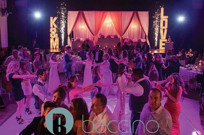 Danse dans un mariage au Théâtre Paradoxe